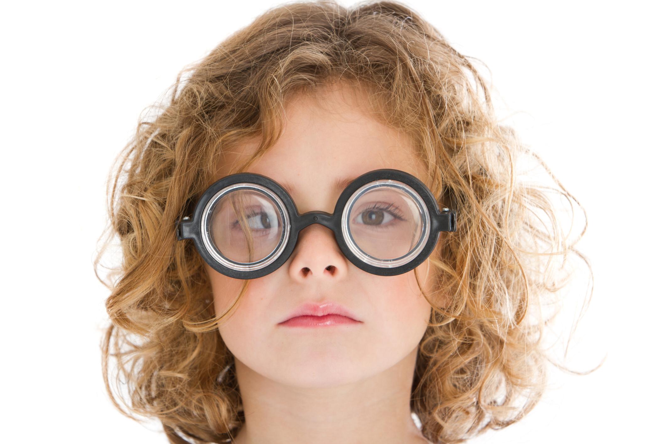 Algumas pessoas apresentam problemas nos músculos que controlam os movimentos oculares que causam o estrabismo.